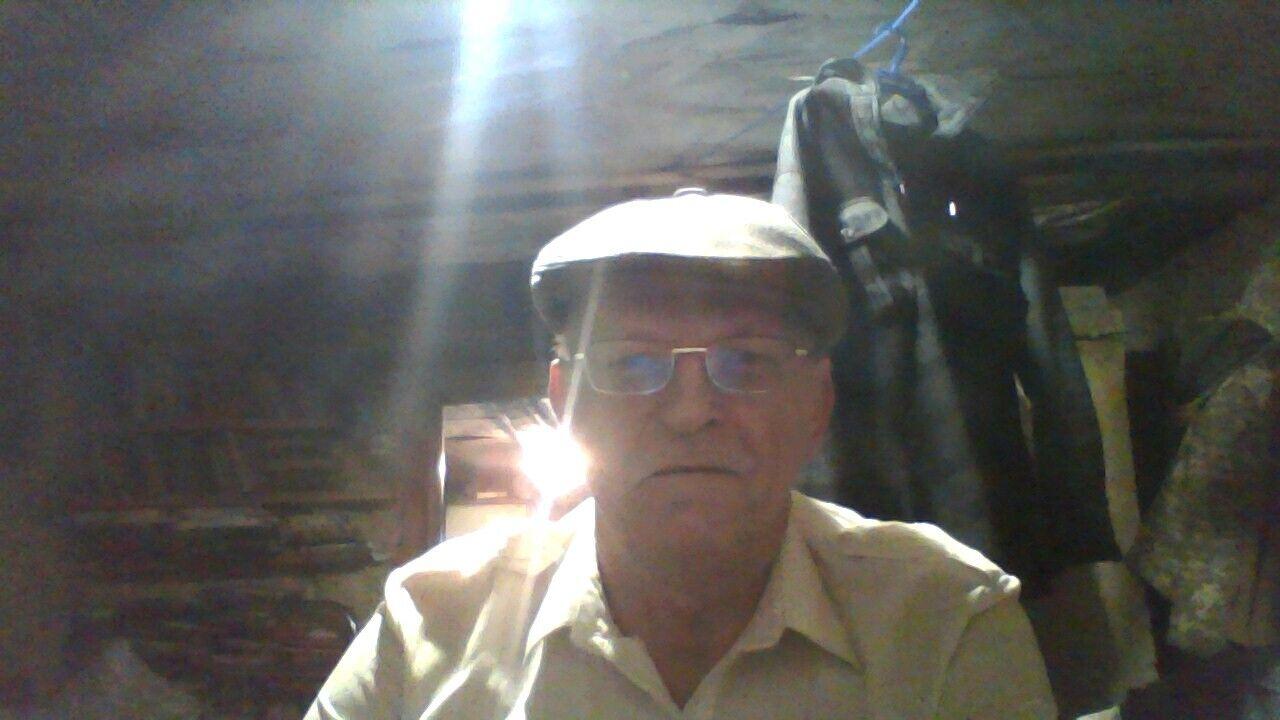 Знакомства Пустошка, фото мужчины Олег, 66 лет, познакомится для флирта, любви и романтики