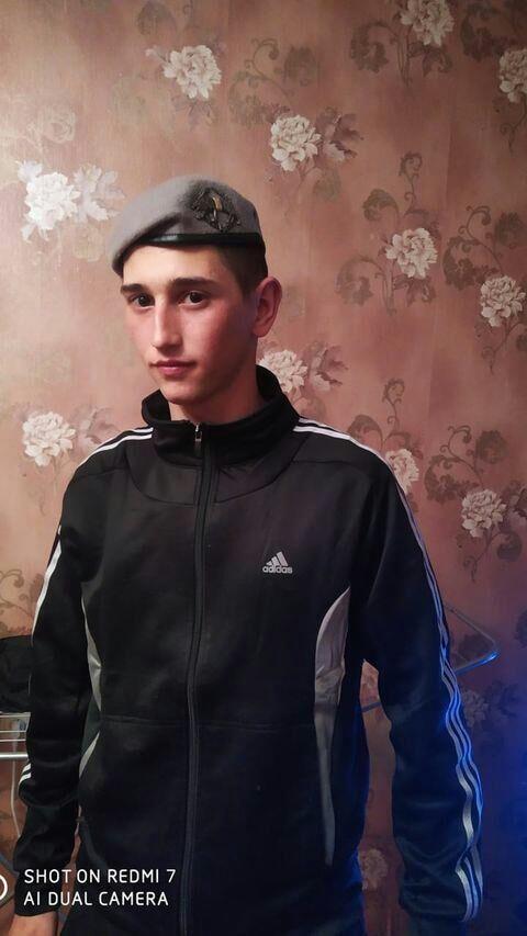 Знакомства Очаков, фото парня Стас, 21 год, познакомится для флирта, любви и романтики