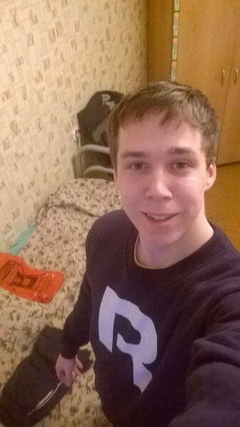 Знакомства Вологда, фото парня Алексей, 25 лет, познакомится для флирта, любви и романтики, cерьезных отношений